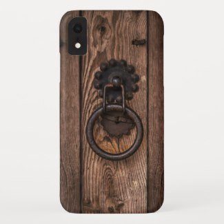 Funny wood door with knocker phone case